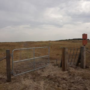 het nieuwe hek bij de ruiterroute