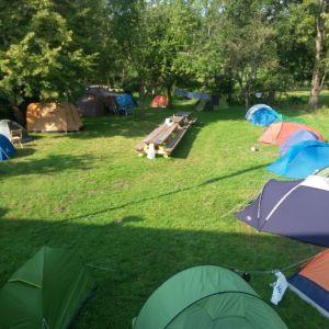 kamperen tijdens het vrijwilligersproject