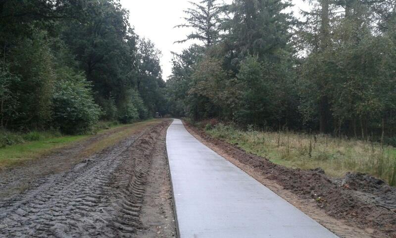 Het nieuwe betonpad is breder en veiliger.