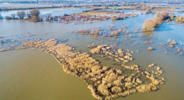 Oude Waal tijdens hoogwater februari 2020, foto: Paul Oostveen, Luchtbeeld.nl