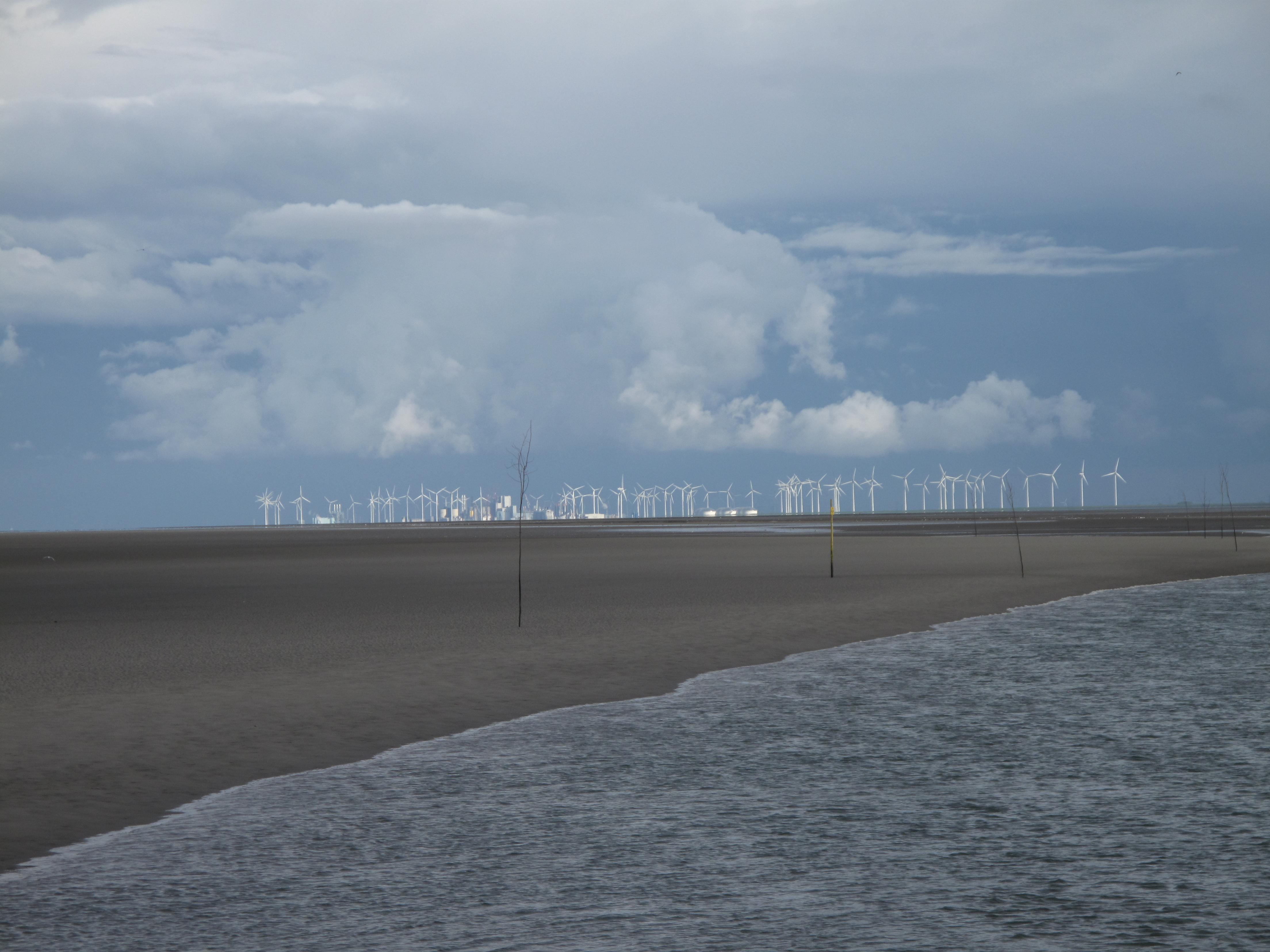 Windmolens van de Eemshaven. Foto: Michiel Firet