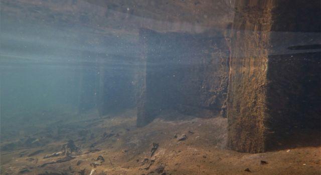 de spreng onder water