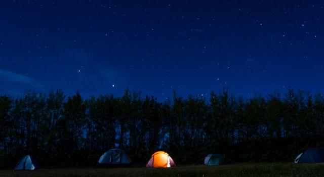 De lange Paal bij nacht. Foto: Sem van Hoogstraten